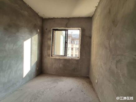 滨江新城。花园洋房,大平层正4房,住家清净!004713