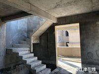 美天公园王府跃层3房带超大露台 视野开阔 户型方正 环境优美 设施齐全